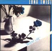 Luna Twist - A Different Smell From The Same Perfume